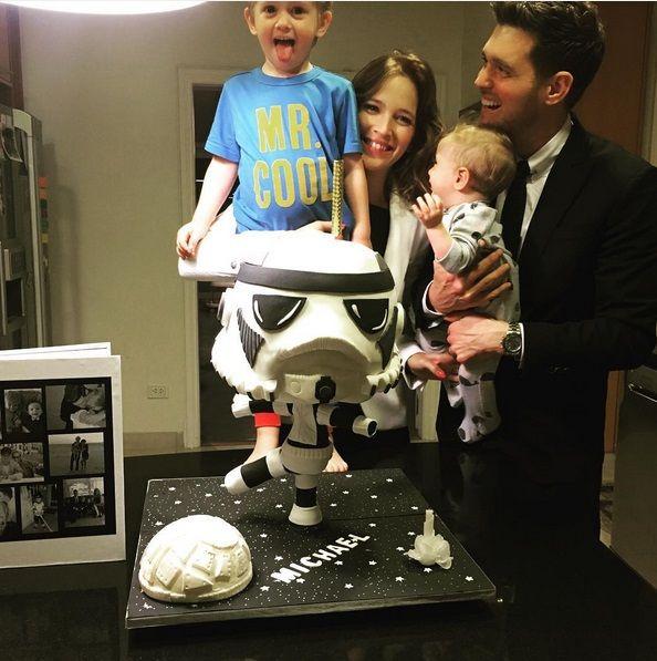 Divertido festejo del cumpleaños de Michael Bublé con Luisana Lopilato y sus hijos: Mis personas favoritas