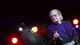Luis Eduardo Aute, en coma tras sufrir un infarto luego de un show en España