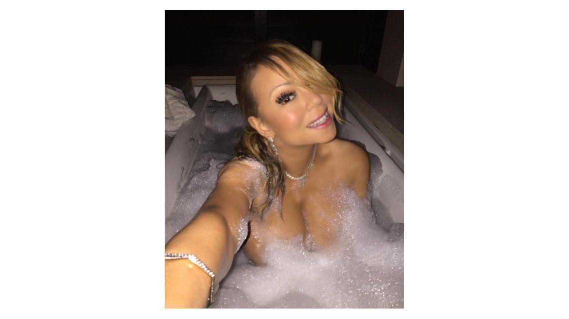 Mariah Carey, desnuda entre burbujas para relajarse, ¡y casi muestra de más!