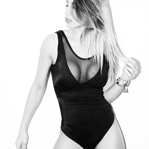 En medio del escándalo por supuestas infidelidades de Matías Defederico, Cinthia Fernández volvió a mostrarse sexy en una producción