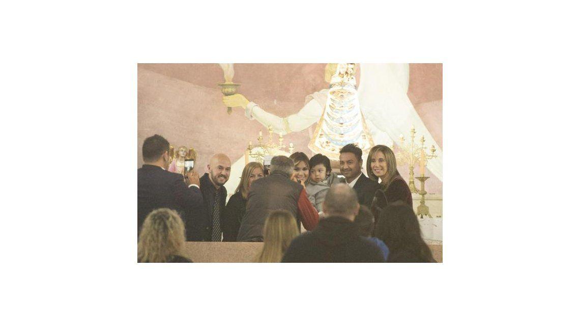 Verónica Ojeda bautizó a Dieguito Fernando y Gianinna estuvo presente