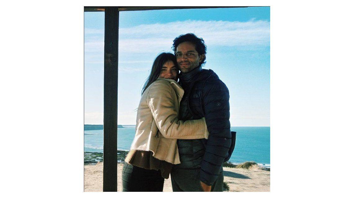 Con una romántica foto junto a Furriel, De Dominici desmiente los rumores de infidelidad