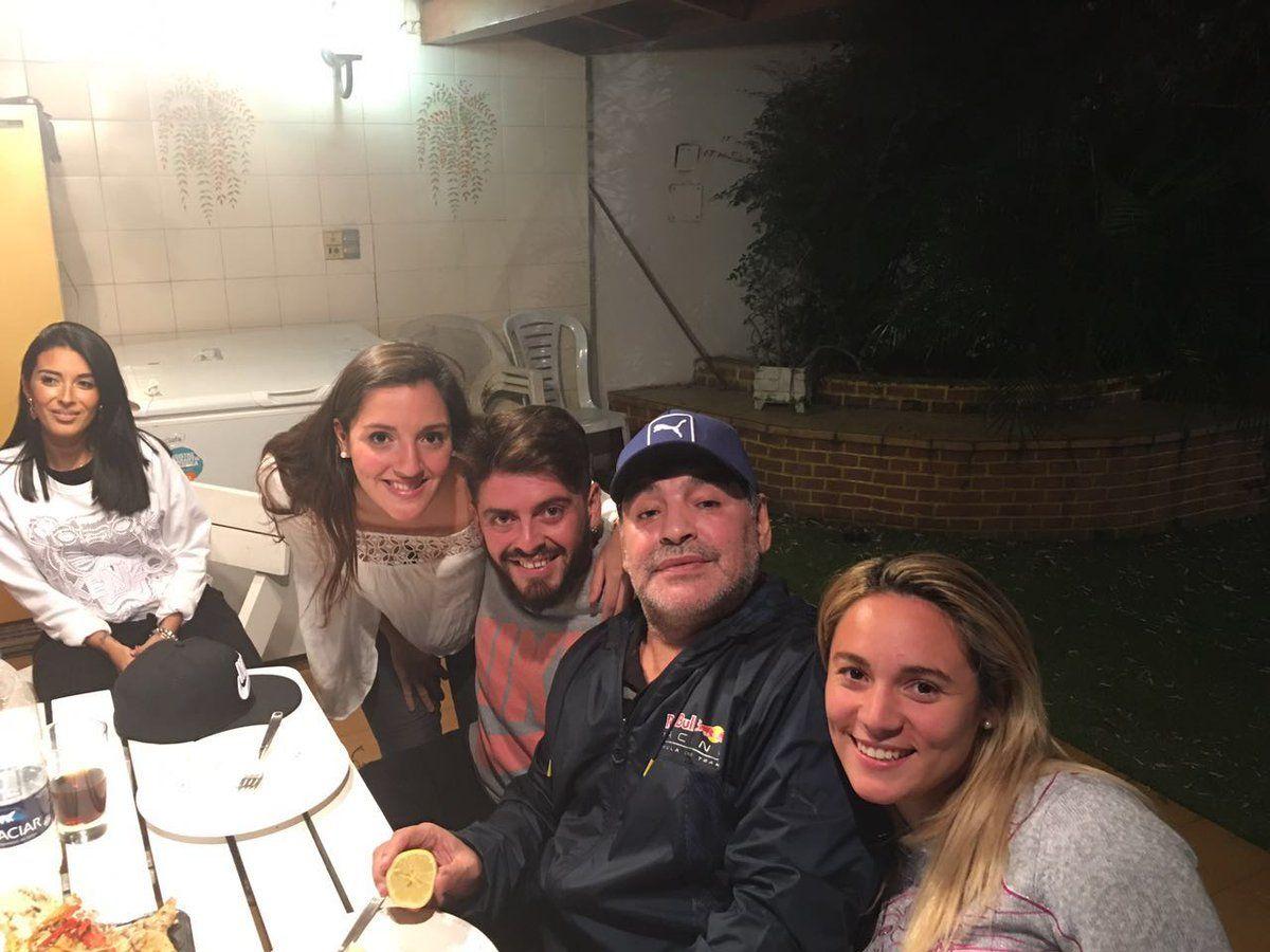 Diego Jr. y Jana Maradona se conocieron.