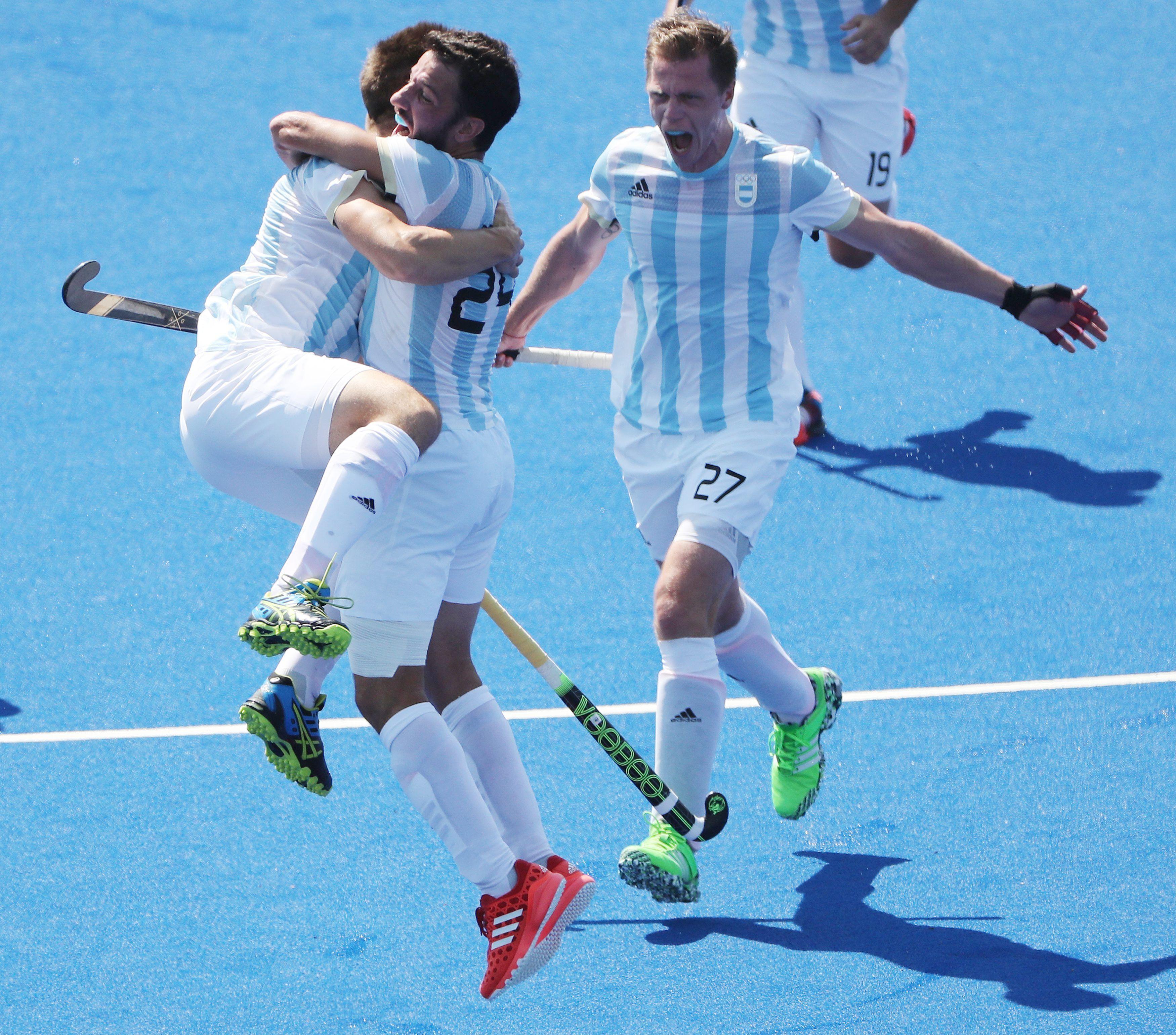 Leones: la Selección masculina de hockey llegó a la final olímpica y los famosos explotaron