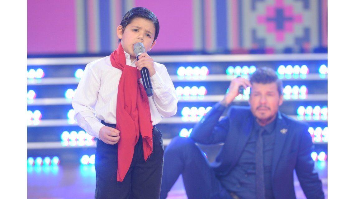 El pequeño cantante que sorprendió a Tinelli  por su diálogo de adulto y su increíble voz