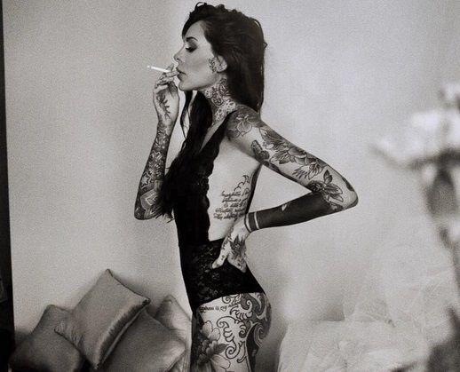 Candelaria Tinelli, provocativa con sensuales fotos ¡y con humor!: #UnCuloParaCande