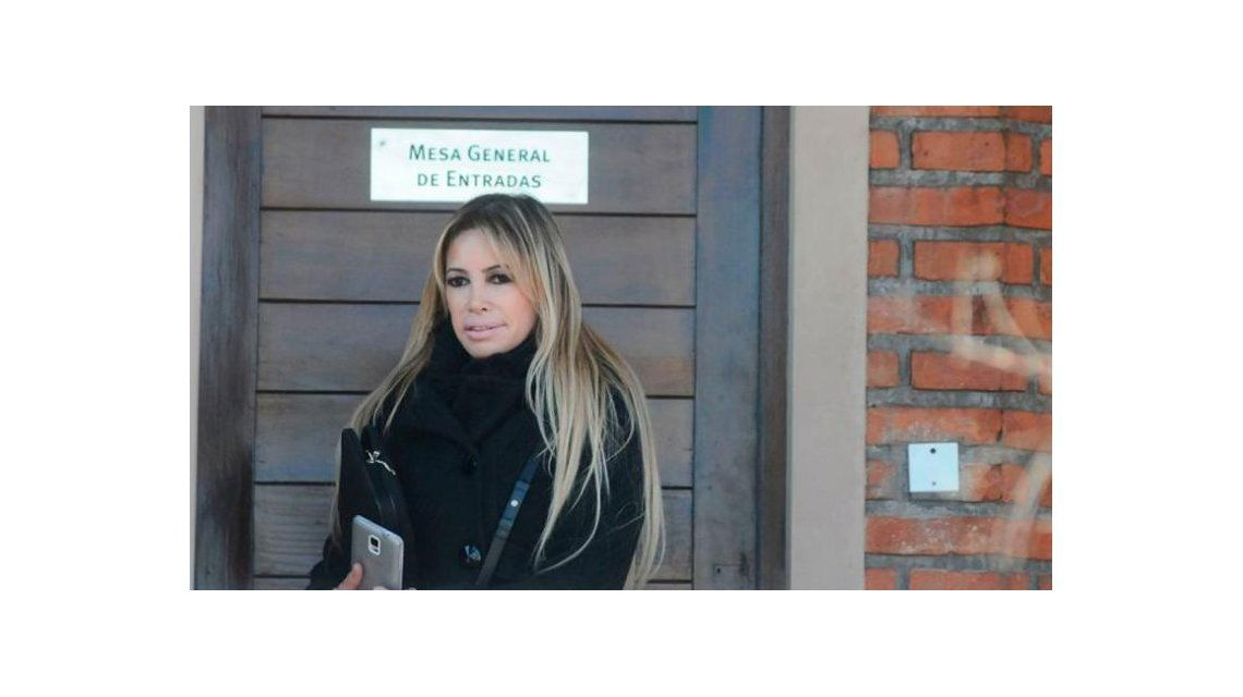 Falleció el padre de Fernanda Herrera, la abogada hot
