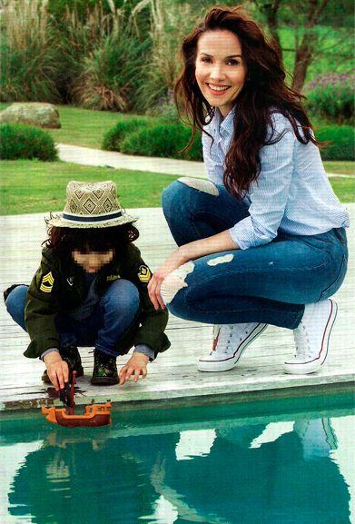 Curioso método de Natalia Oreiro para no extrañar a su hijo: Cuando no puede viajar conmigo, me llevo su pijama para sentirlo cerca