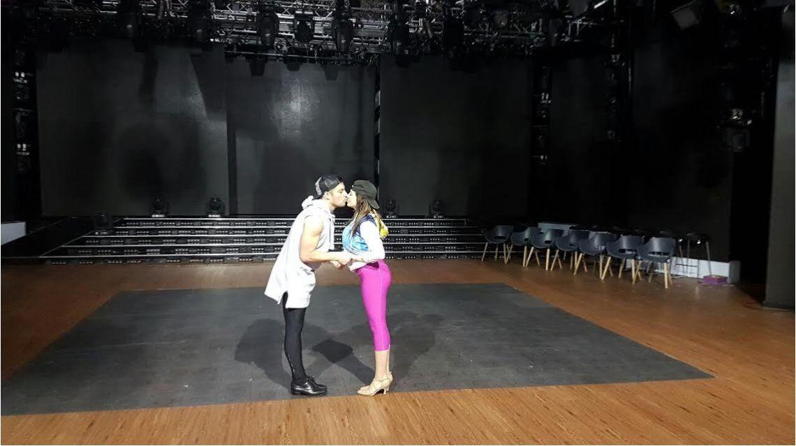 Francisco Delgado se besará con Charlotte Caniggia en la salsa en trío: ¡Mirá las fotos del ensayo!