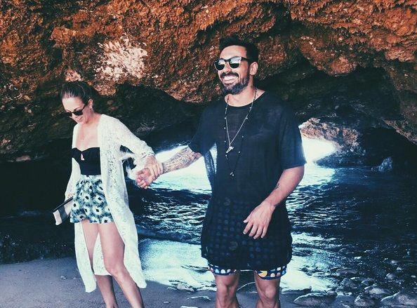 Yanina Screpante publicó una romántica foto con el Pocho Lavezzi ¡y otra de su lomazo!: Juntos a la par, potro