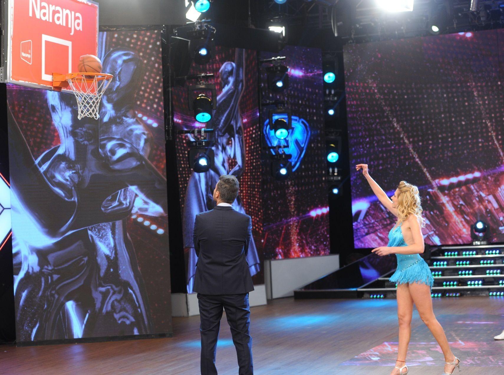 Todo no se puede: Alina Moine jugó muy bien al básquet, ¡pero se perdió en la salsa  de tres!