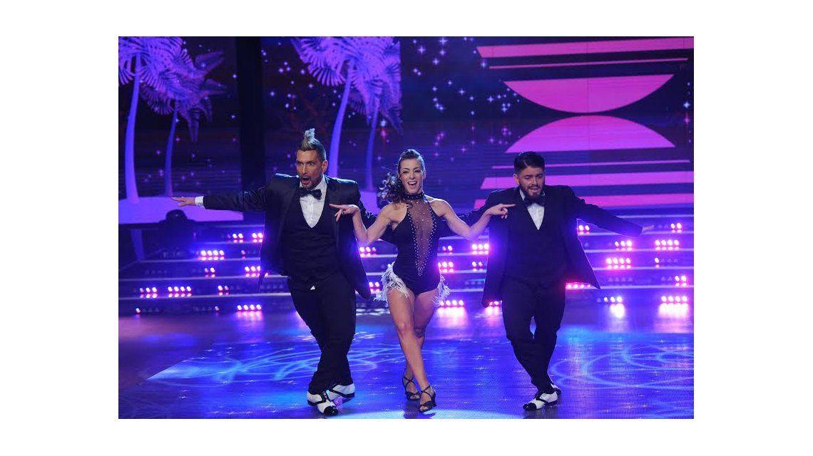 Así bailó el Tirri la salsa de tres con Diego Maradona Junior