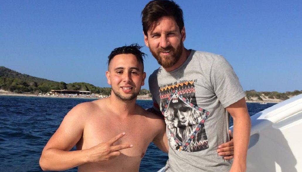 Nadó un kilómetro y arruinó su celular, pero logró sacarse una foto con Lionel Messi