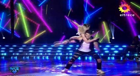 Fer Váquez, de Rombai, se lució con una coreografía de videoclip