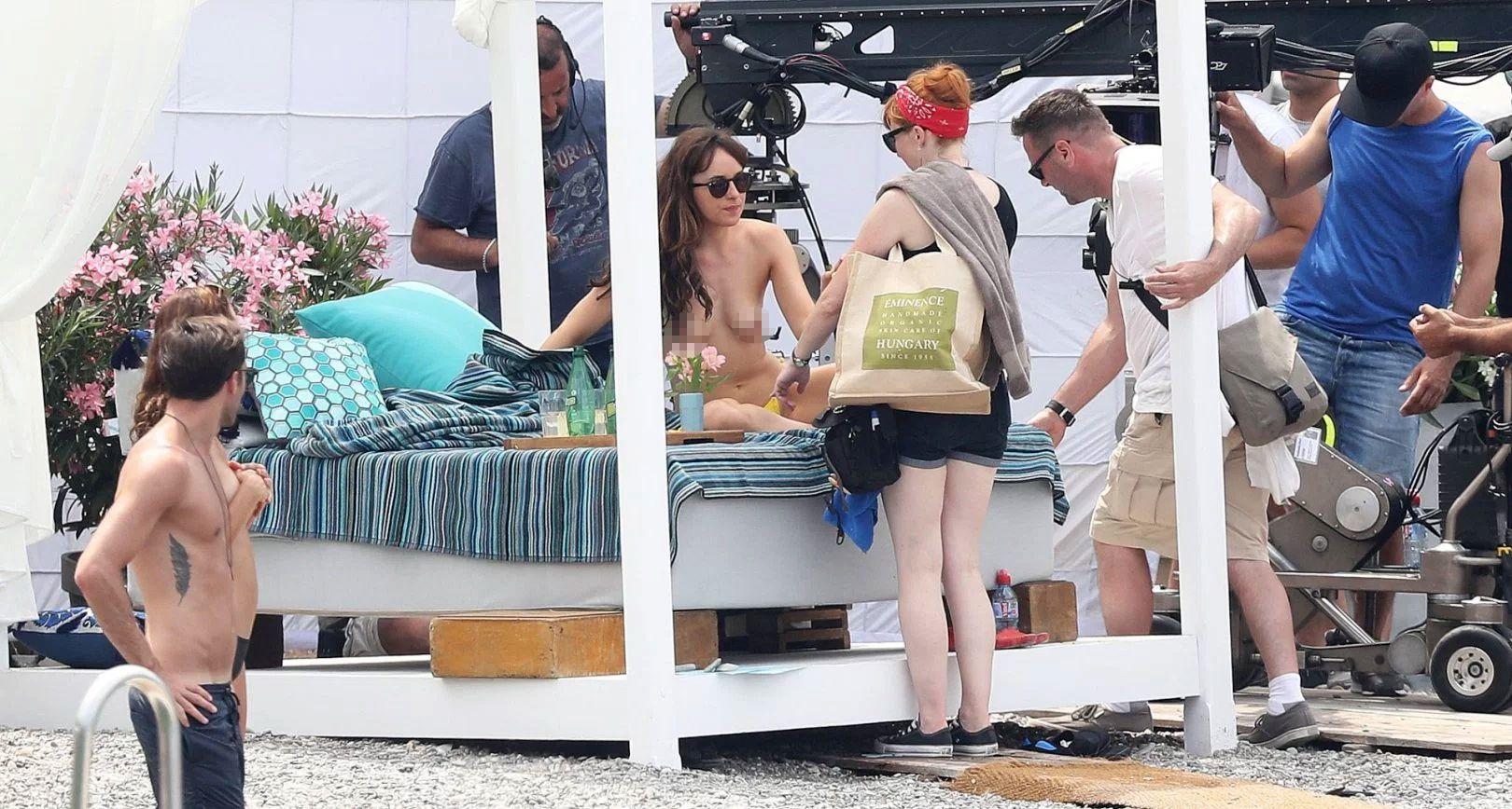 El topless de Dakota Johnson en las nuevas imágenes de 50 sombras más oscuras