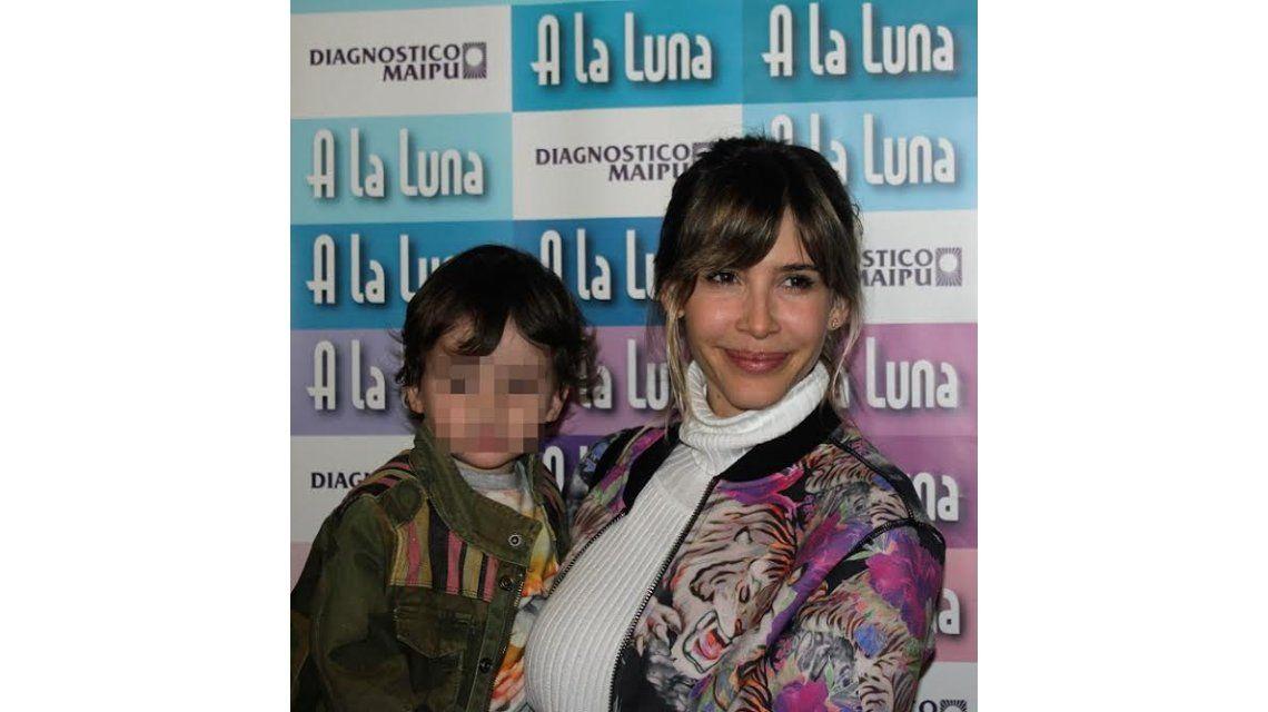 Tarde de teatro para Guillermina Valdes, Brenda Gandini y sus hijos: fueron a ver la obra infantil de Florencia Torrente