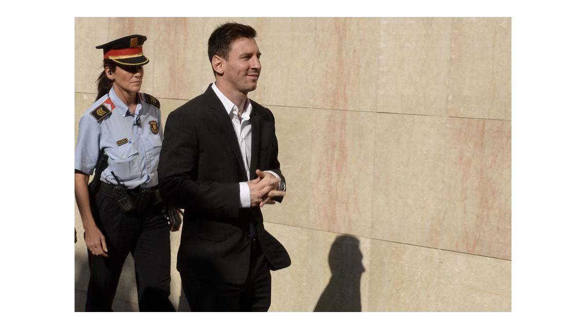 Condenaron a Messi y su padre a 21 meses de cárcel por fraude fiscal