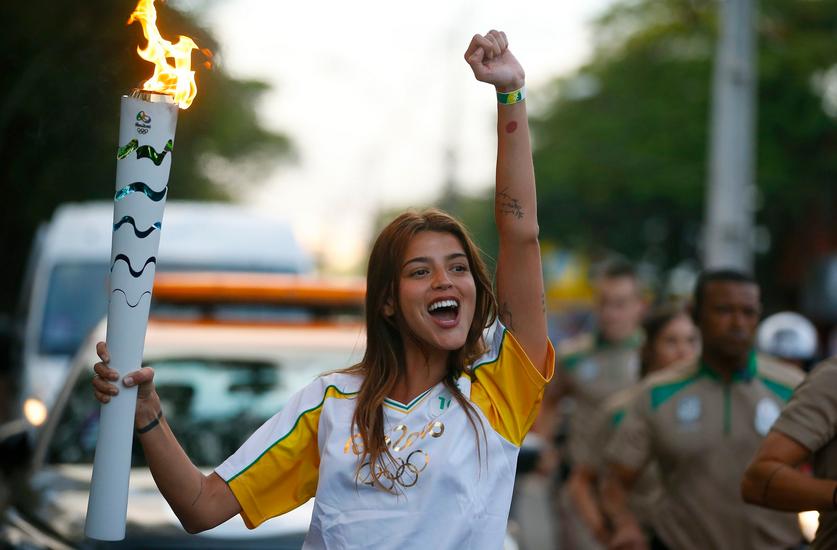 Polémica con Calu Rivero por llevar la antorcha olímpica de los Juegos Olímpicos de Brasil