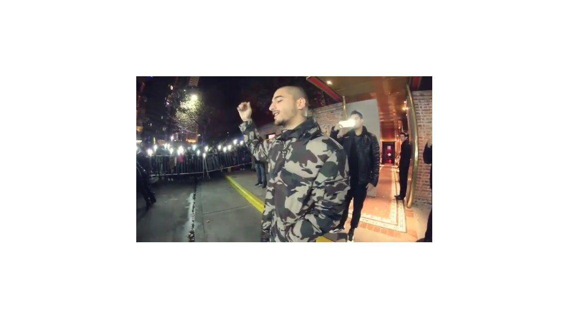 A Maluma le cancelaron su show en el Luna Park, y él salió a cantar a la calle