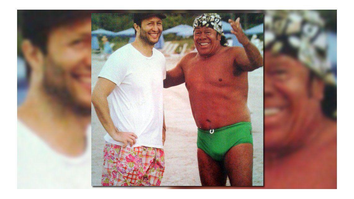 El destape de la Mona Jiménez: foto en sunga verde junto a Tomás Yankelevich