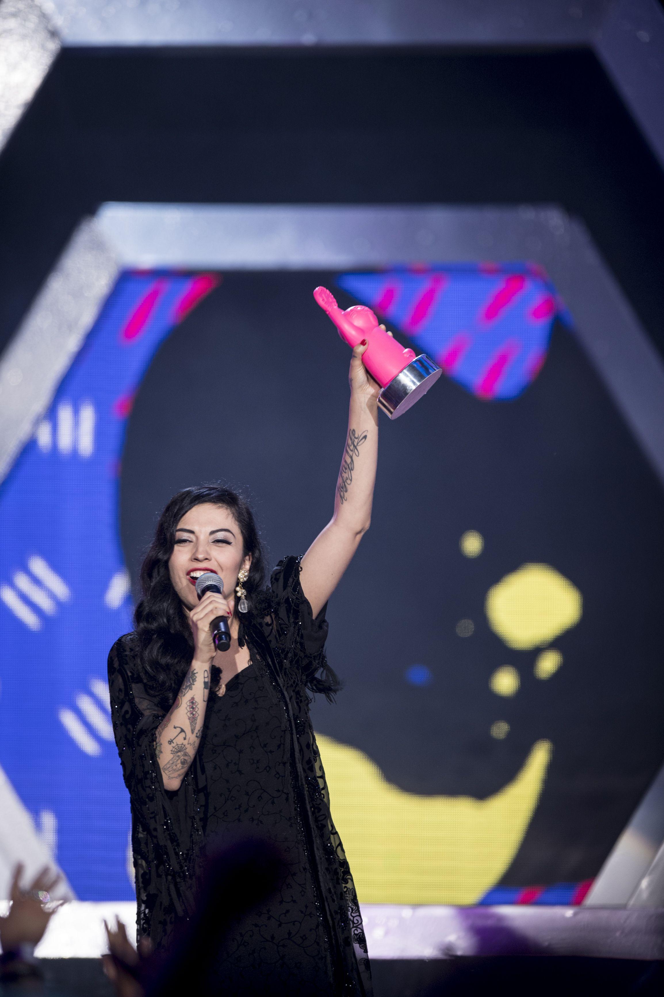 Todos los ganadores de los premios MTV MIAW