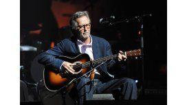 Eric Clapton tiene una enfermedad neurológica: Me cuesta tocar la guitarra