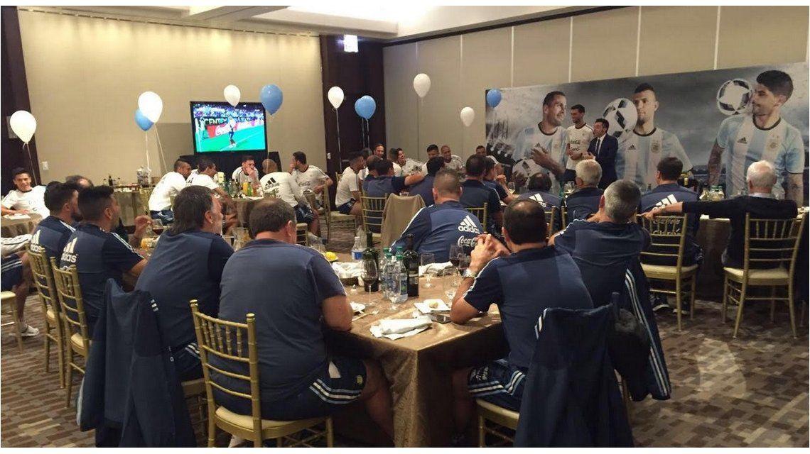 El festejo del cumpleaños de Mascherano con un show de magia en Chicago