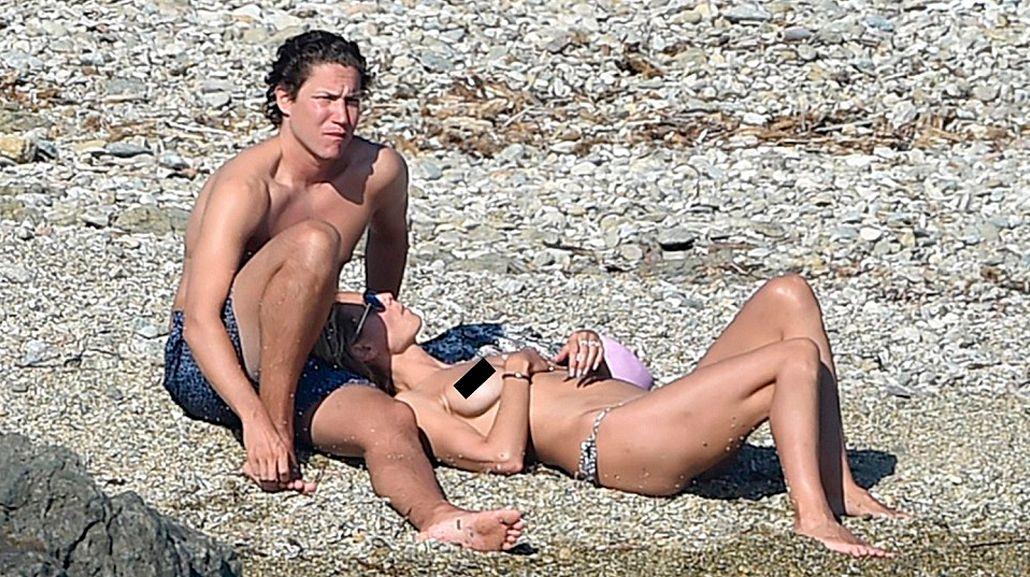 El topless de la top model Heidi Klum en el Mediterráneo, a los 43 años