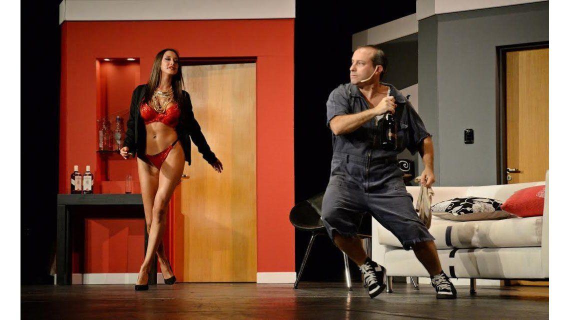 Sebastián Almada se accidentó sobre el escenario de Enredados