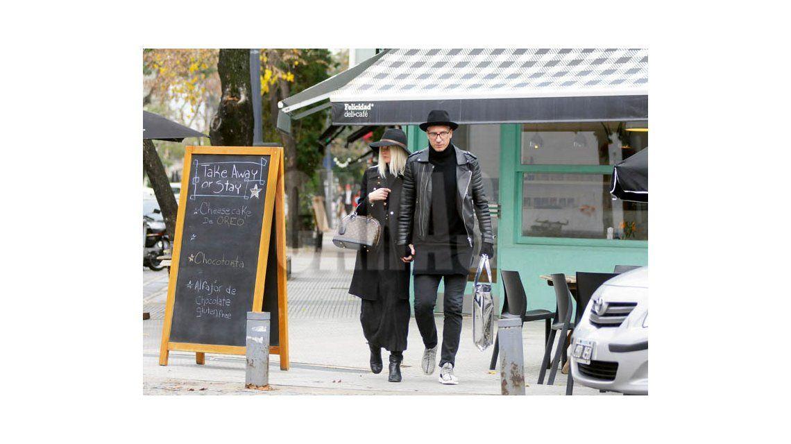 Maxi López y su novia sueca en Bs.As.: Wanda no me dice dónde tienen a mis hijos