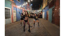 La sensual coreografía de Pampita desde la Villa 31: baile, murga y sensualidad