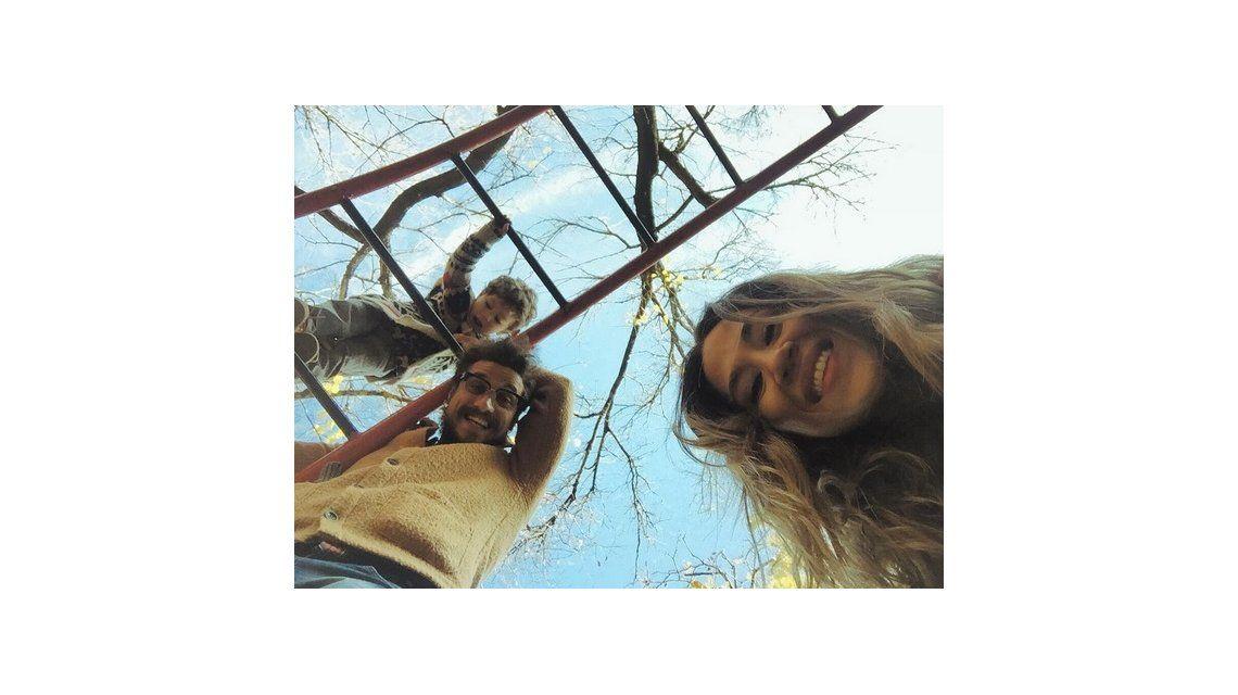 El romántico y familiar feriado de Jimena Barón con Daniel Osvaldo y su hijo: Mis dos amores