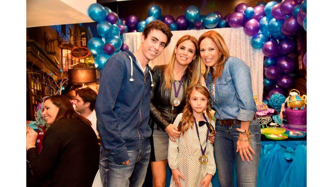 El álbum de la fiesta de cumpleaños de la hija de Marina Calabró, Mía