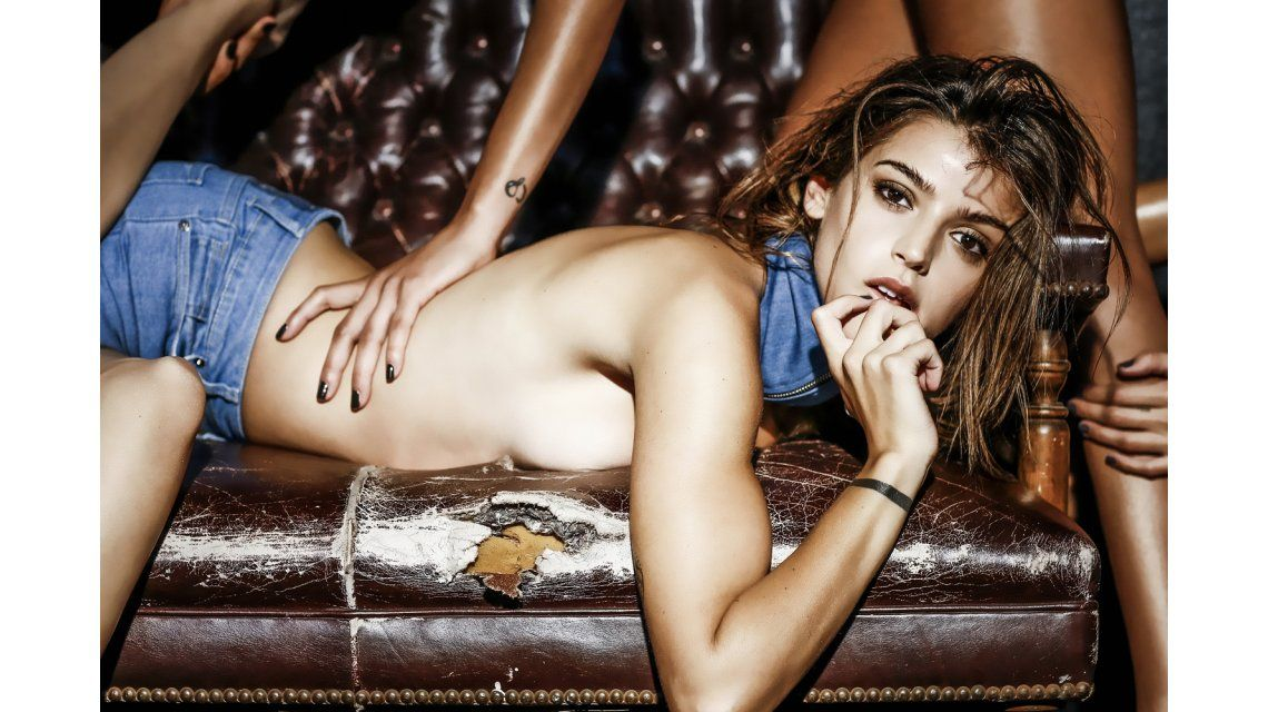 Calu Rivero, sensualidad, topless y sudor en un video ¡muy hot!
