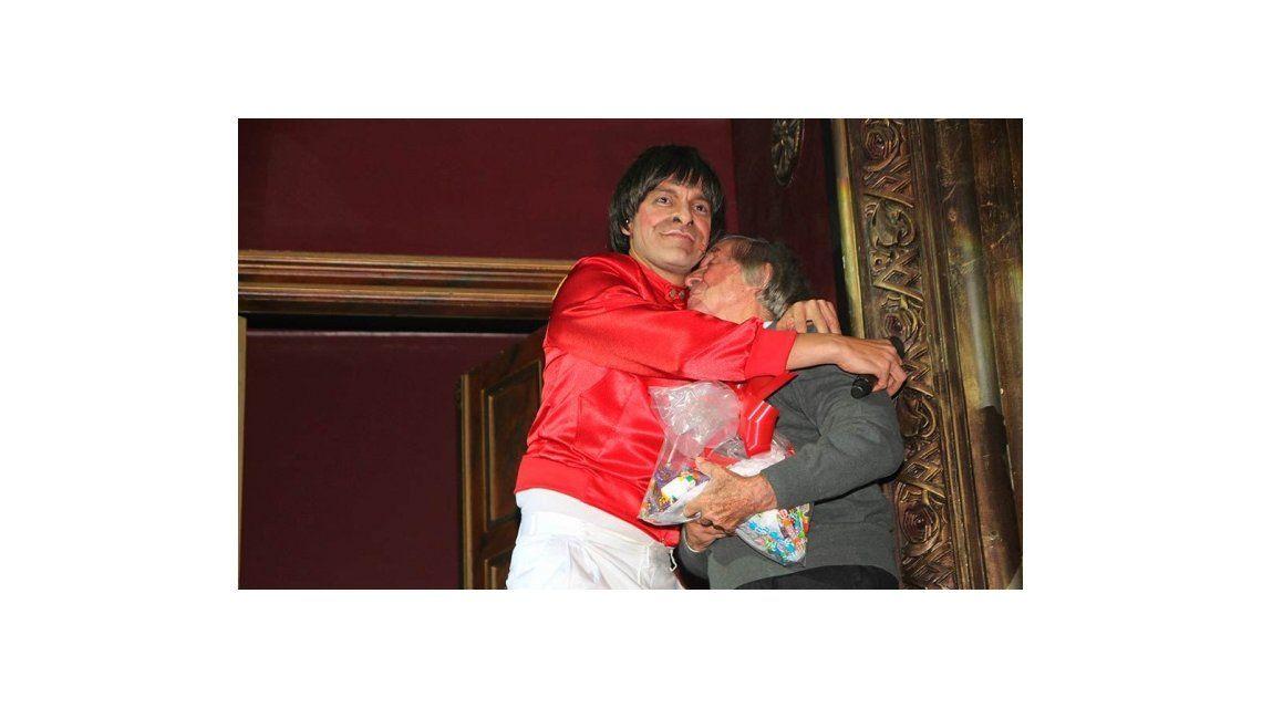 El emotivo homenaje de Martín Bossi a Carlitos Balá, que hizo llorar al reconocido capocómico