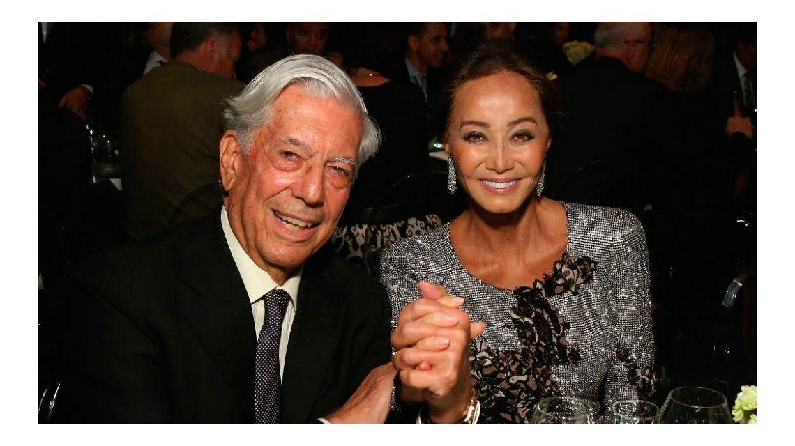Mario Vargas Llosa, de visita en Argentina con la ex de Julio Iglesias tras su falsa muerte en Twitter