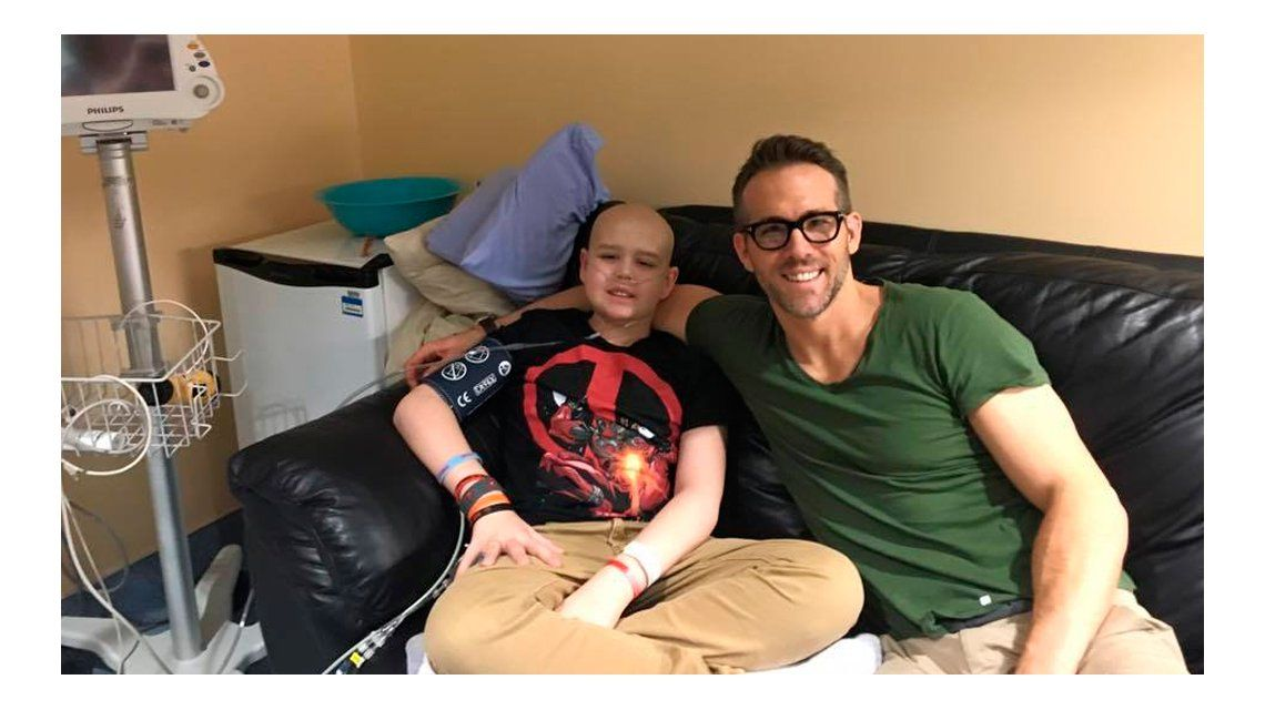 La emotiva carta de Ryan Reynolds a un nene que murió de cáncer