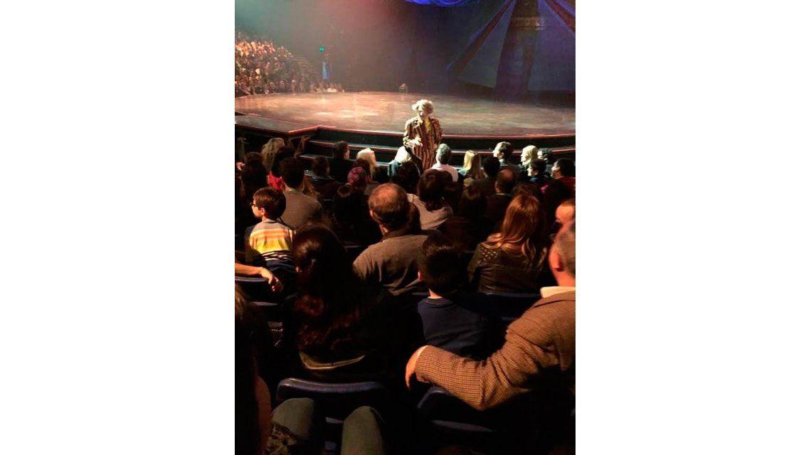 ¡A los pelos! El incómodo momento de Susana Giménez en el teatro
