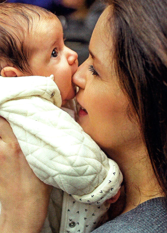 El primer paseo en familia de Romina Ricci con su hija Bethania