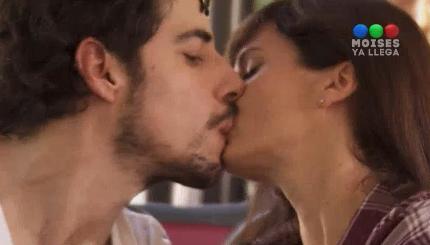 Arrancó el amor: Griselda Siciliani y Esteban Lamothe se besaron por primera vez