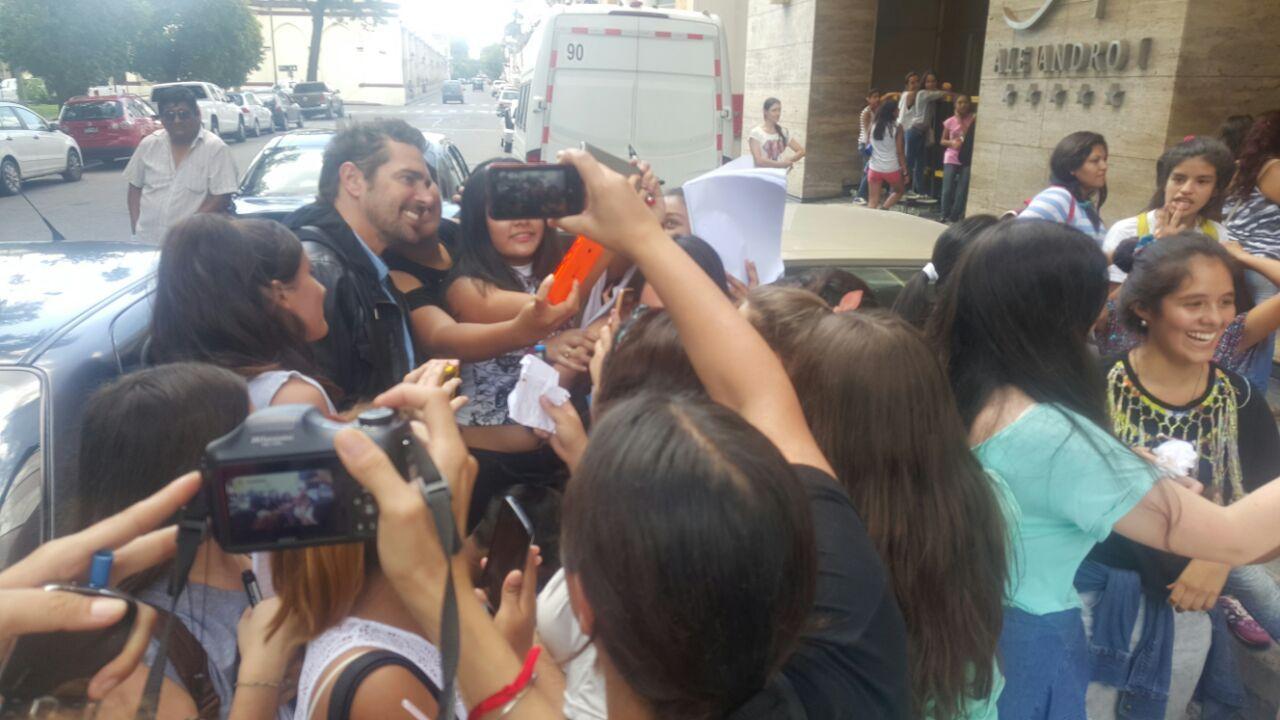 Feliz y rodeado de fans: así se lo vio a Matías Alé en su vuelta al ruedo