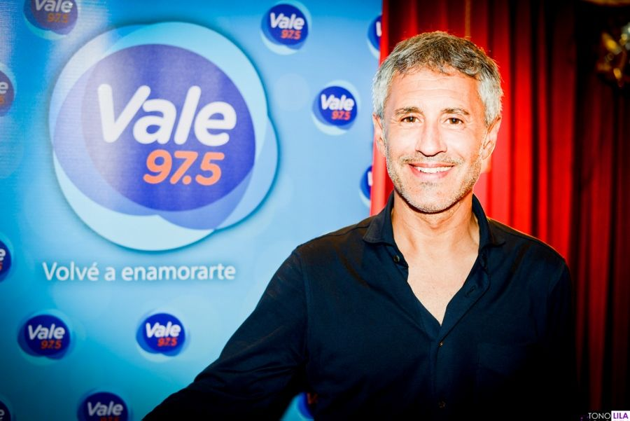 Sergio Dalma estuvo en el Vale Acústico y recibió el Premio a la trayectoria