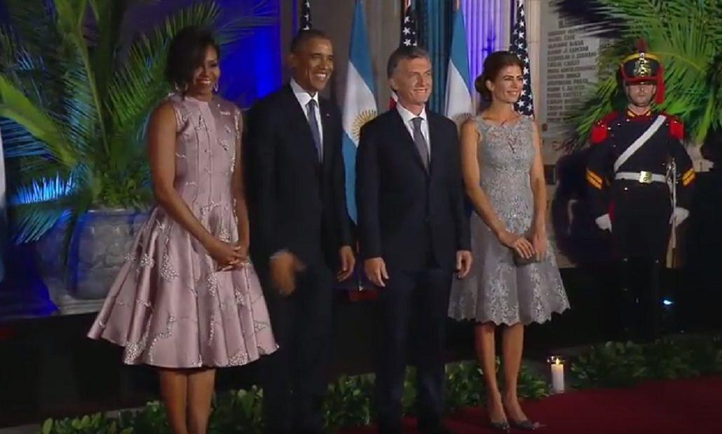 Michelle Obama y Juliana Awada, con vestidos similares en la gala homenaje: ¿protocolo o coincidencia?