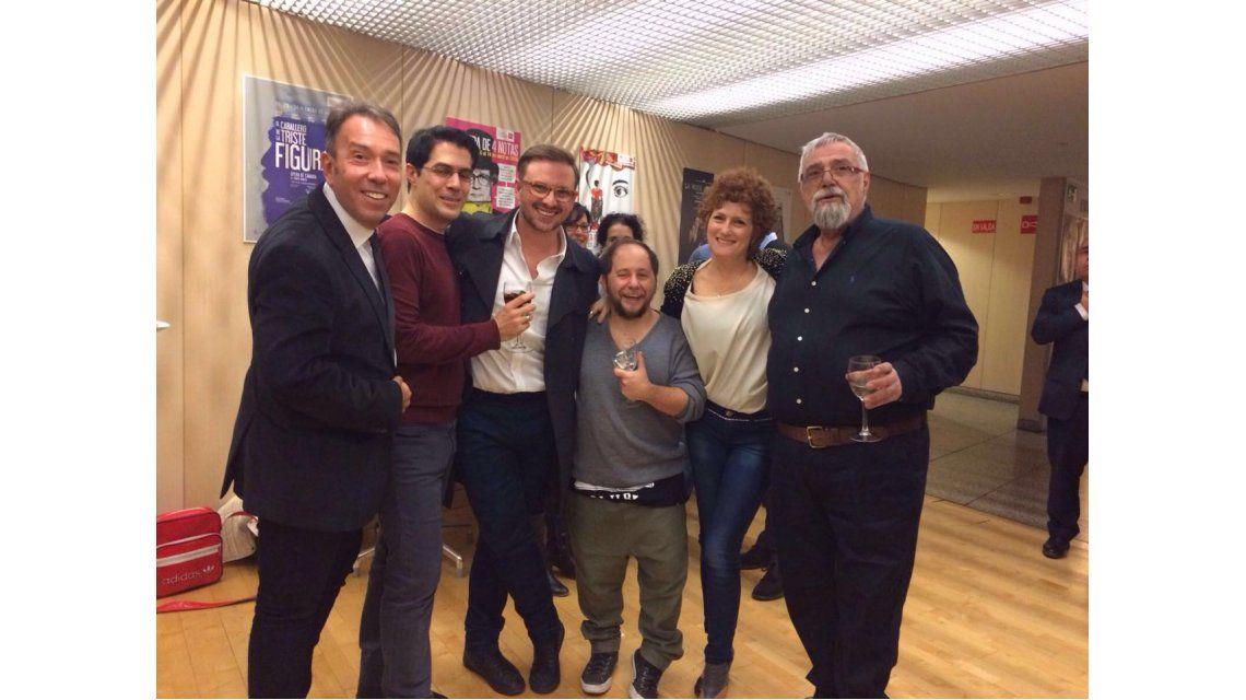 Reencuentro de amigos: el Cholo Simeone presente en el estreno de Martín Bossi en Madrid