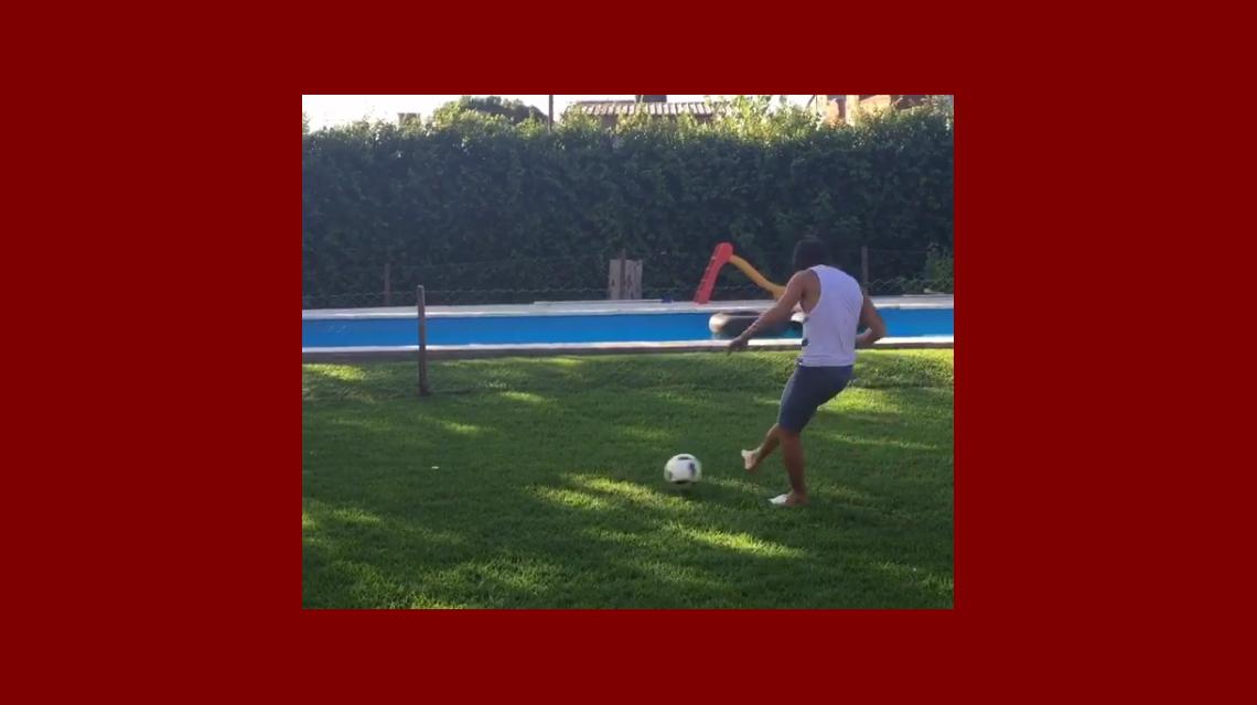 Su momento esperado: el video de Patricio Toranzo pateando su primera pelota luego del accidente