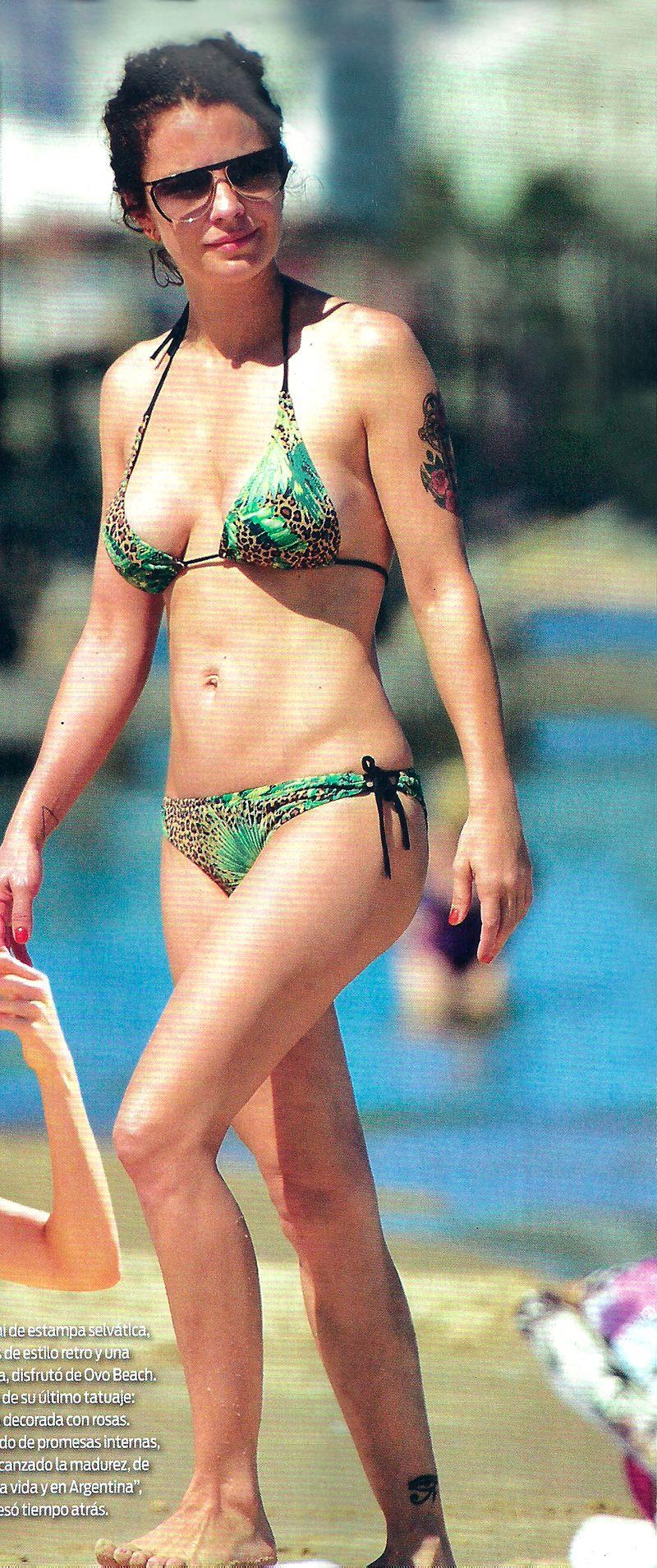 Las vacaciones de Dolores Fonzi con sus hijos: playa y bikini en Punta del Este