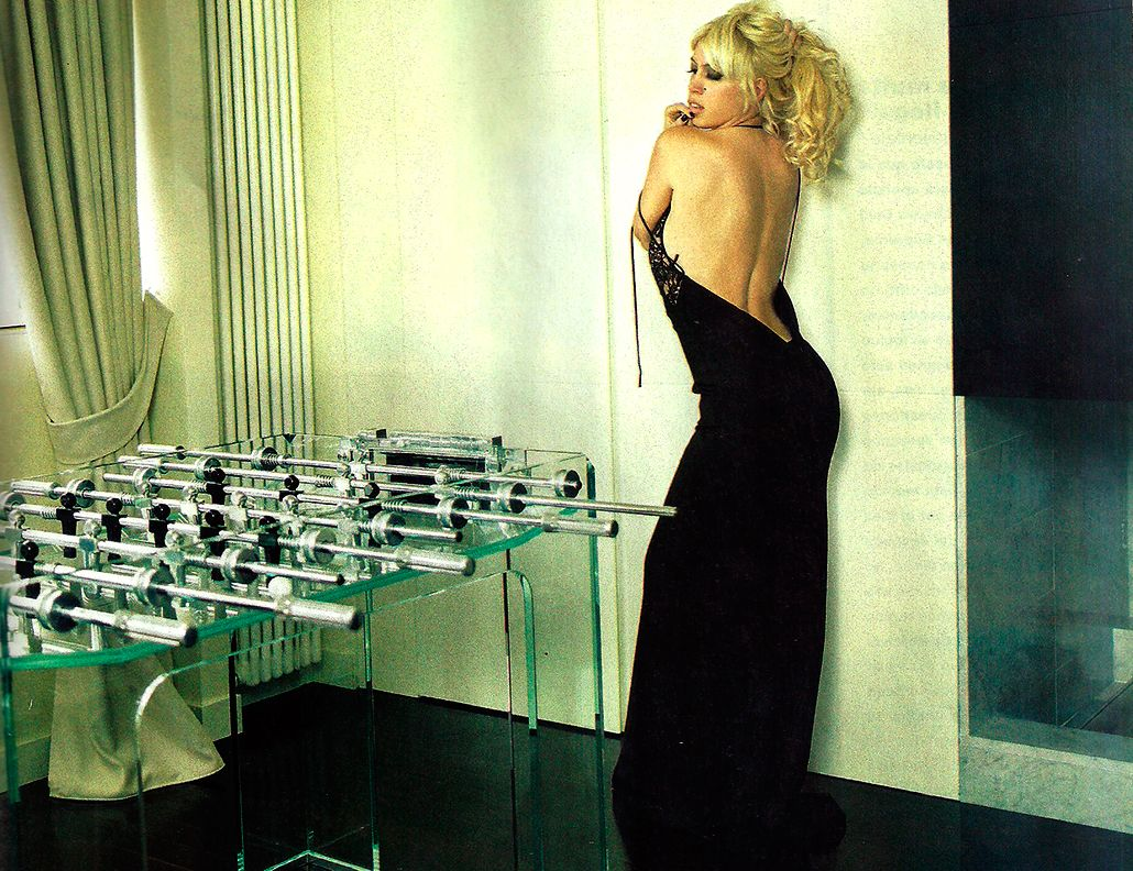 La sensual producción de fotos de Wanda Nara en su su casa de Milán: Envidian mi felicidad