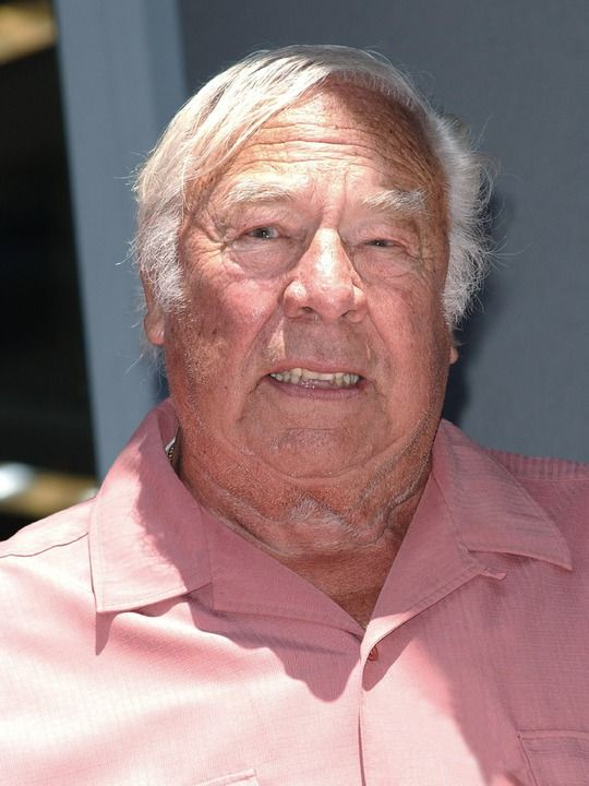 Murió George Kennedy, uno de los actores de La pistola desnuda