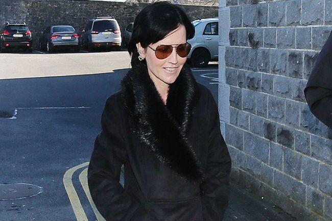 La cantante de The Cranberries, multada por escupir y golpear a un policía