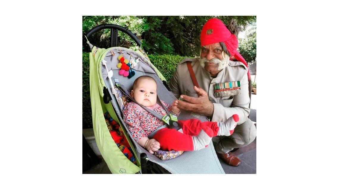 Así fue el primer viaje a la India de la beba de Dolores Barreiro y Matías Camisani